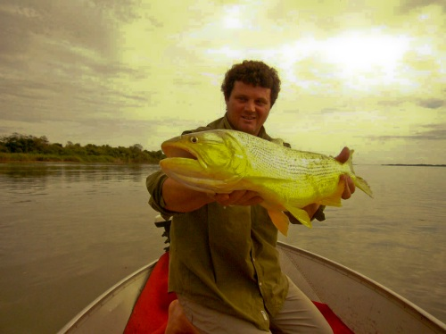 Peto w/ big golden dorado